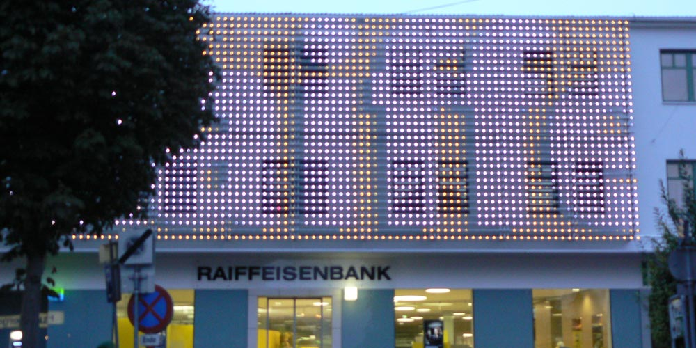 Kiboworks Raiffeisen Bank Media Facade